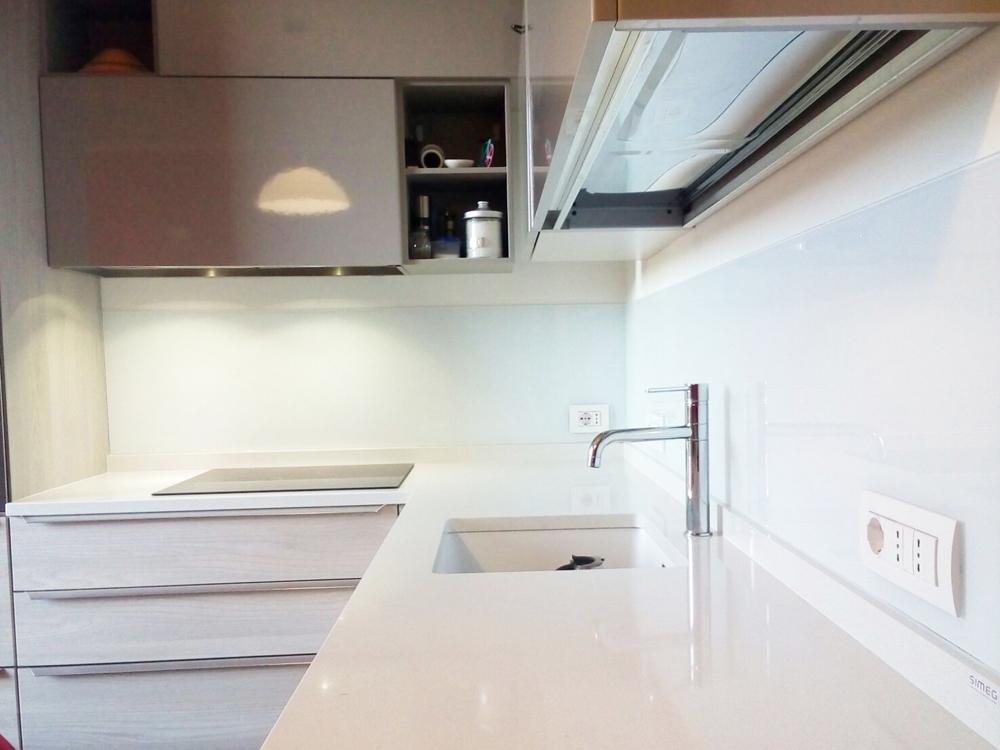 Cucina – Rivestimento murale – Esseline – Il vetro per l\'arredo